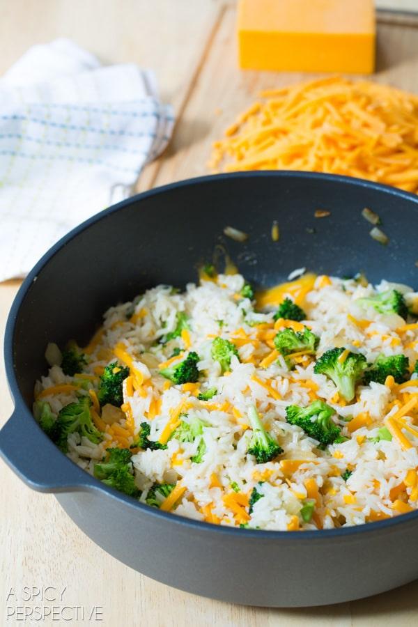 How To: Broccoli Cheese Rice Casserole MINI PIES! #sidedish #lunchbox #kids #backtoschool