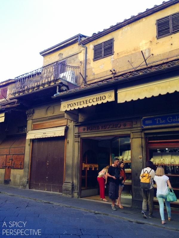 Shopping Ponte Vecchio - Florence, Italy #italy #travel