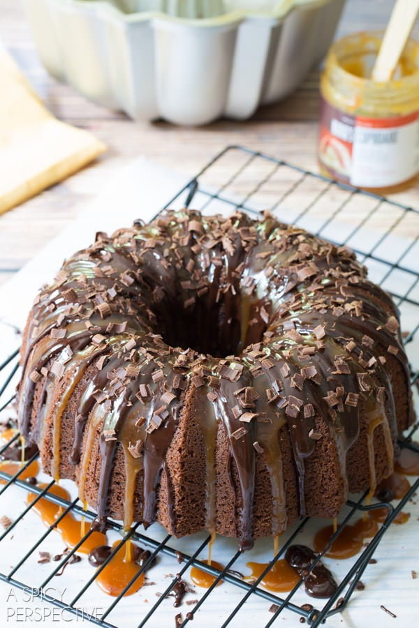 Love this Baileys Irish Cream Bundt Cake #cake #bundtcake #baileysirishcream