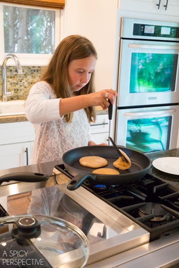 Making Cinnamon Pancakes + Peach Syrup Recipe #backtoschool #pancakes #peach