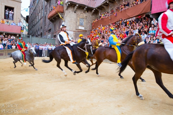 Palio Race in Siena, Italy #travel #italy #tuscany #traveltuesday