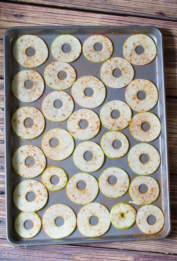 Simple Baked Apple Chips #healthy #fall #apple