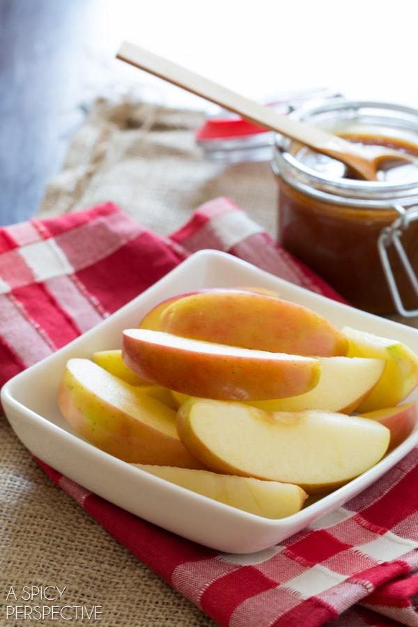 Easy Salted Caramel Sauce #caramel #ediblegifts #fall