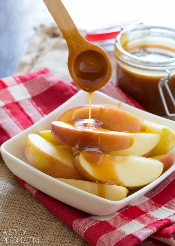 Simple Salted Caramel Sauce #caramel #ediblegifts #fall