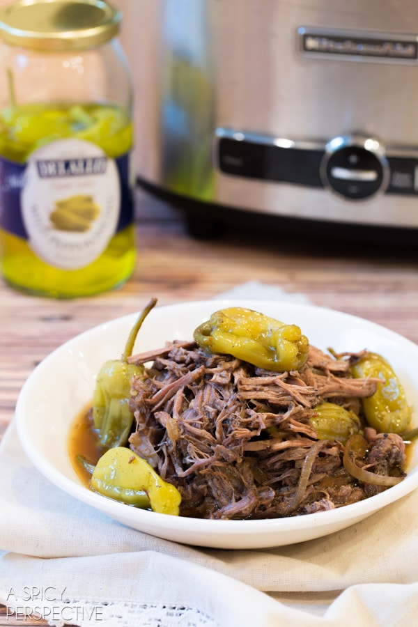 Easy Crockpot Italian Beef Recipe #slowcooker #crockpot #beef
