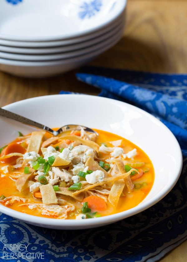 Easy Slow Cooker Buffalo Chicken Soup #soup #buffalochicken #healthy