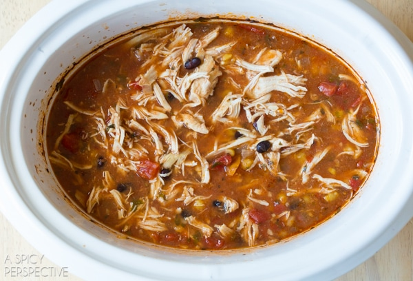 Easy Slow Cooker Chicken Enchilada Soup #slowcooker #crockpot #healthy