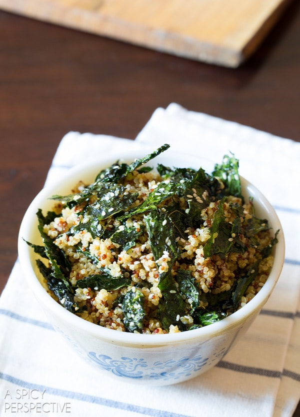 Must-Try Crispy Kale and Quinoa Salad #healthy #glutenfree #vegan #quinoa #kale