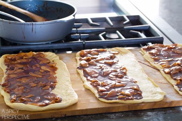 Making these Mini Caramel Apple Cinnamon Rolls #caramelapple #cinnamonrolls #holiday #breakfast