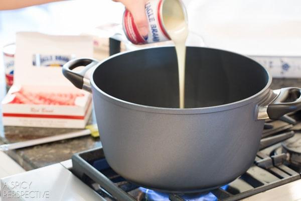 Making Easy 2 Ingredient Homemade Fudge #fudge