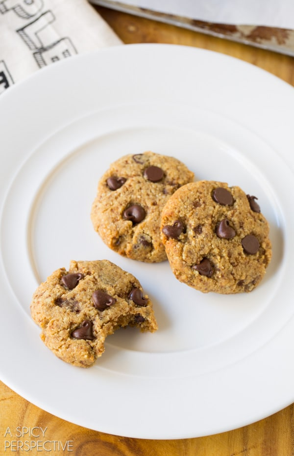 Best PALEO Chocolate Chip Cookies! #paleo