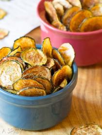 Best Crispy Baked Zucchini Chips #paleo