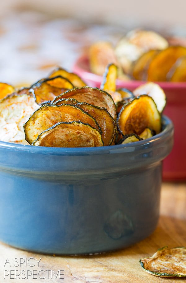 Love these Crispy Baked Zucchini Chips #paleo