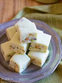 Simple and Silky 4-Ingredient Pistachio Gelato Fudge
