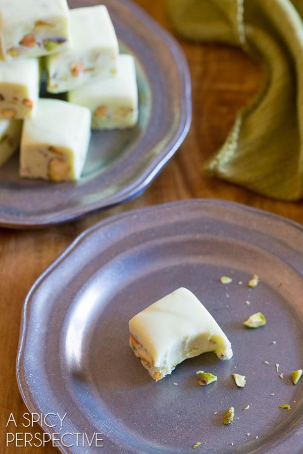 Love this 4-Ingredient Pistachio Gelato Fudge - Tastes like Italy - Green for Saint Patrick's Day!
