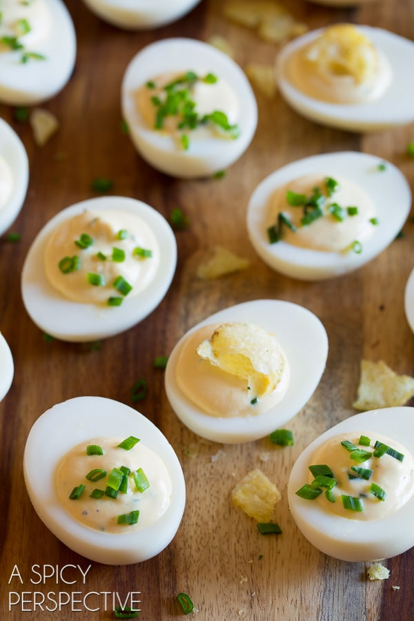 Easy Sour Cream and Onion Dip Deviled Egg Recipe #easter #spring