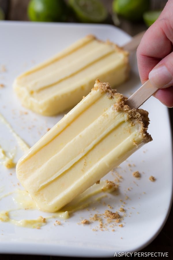 Best Key Lime Pudding Pops on ASpicyPerspective.com #frozen #puddingpops #keylimepie