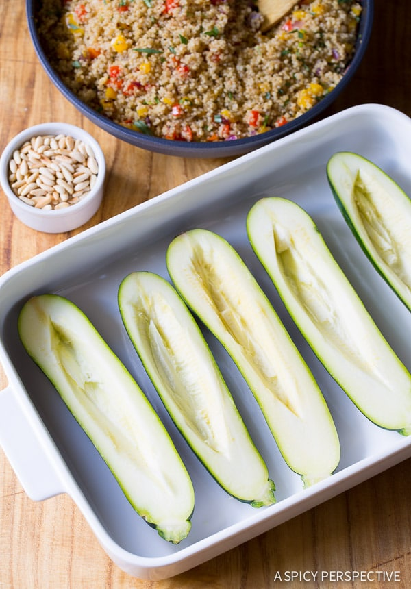How to Make Stuffed Zucchini Boats with Quinoa and Pine Nuts #healthy #vegetarian