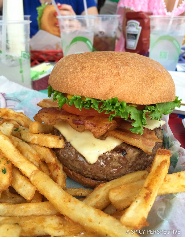 Burgers in Sandestin, Florida - Travel Tips and Vacation Giveaway! #Sandestin #SouthWalton #travel #beach