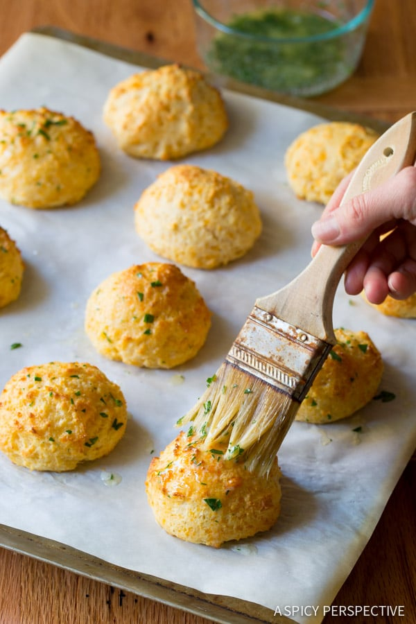 Love these Red Lobster Cheddar Bay Biscuits on ASpicyPerspective.com #biscuits