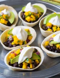 Mini Black Bean Tacos with Mango Pico de Gallo on ASpicyPerspective.com #mexican #vegetarian