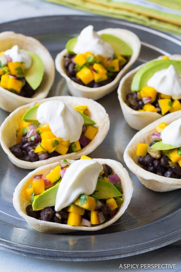 Mini Black Bean Tacos with Mango Pico de Gallo on ASpicyPerspective.com #mexican #vegetarian