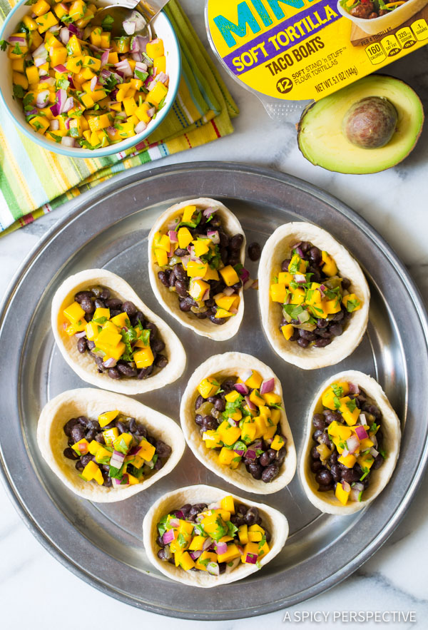 Zesty Mini Black Bean Tacos with Mango Pico de Gallo on ASpicyPerspective.com #mexican #vegetarian