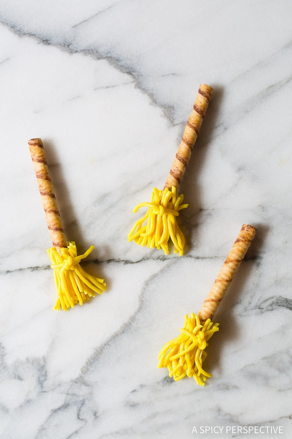 How to Make Witches Broomsticks - 5 Easy Halloween Treats Made with Pirouette Cookies.