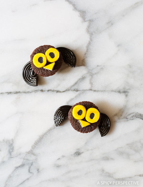 Owl - 5 Easy Halloween Treats Made with Brownie Bites on ASpicyPerspective.com - Fun for Kids!