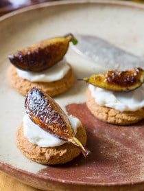 Simple 4-Ingredient Snacks - Caramelized Figs with Cheese and Gingersnaps on ASpicyPerspective.com