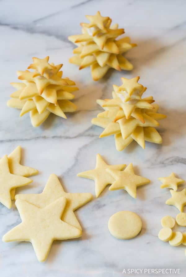 How To: 3D Christmas Tree Cookies on ASpicyPerspective that make fantastic edible gifts!
