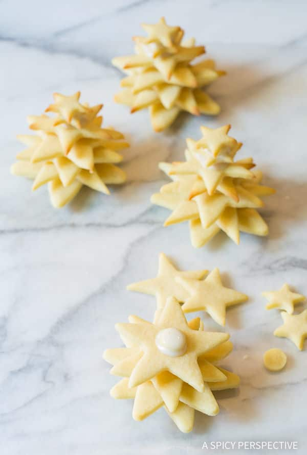 Easy 3D Christmas Tree Cookies on ASpicyPerspective that make fantastic edible gifts!