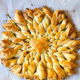 Easy 4-Ingredient Sunburst Pull Apart Bread on ASpicyPerspective.com