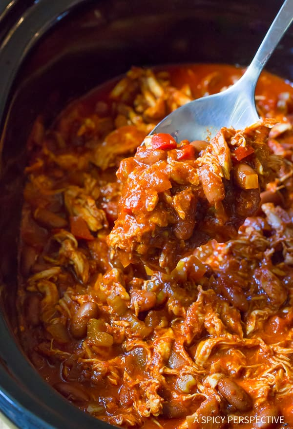 Must-Try Healthy Slow Cooker Roasted Red Pepper Chicken Chili Recipe (Gluten Free & Dairy Free) | ASpicyPerpective.com