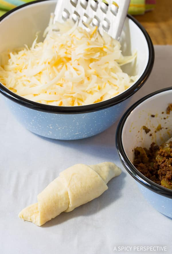 Make 5-Ingredient Mexican Stuffed Crescent Rolls Recipe | ASpicyPerspective.com