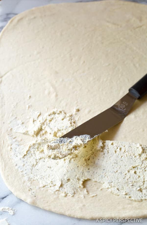 How to Make Caprese Flatbread Recipe with Cheese Stuffed Crust! | ASpicyPerspective.com