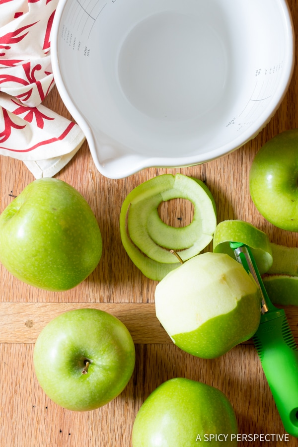 How to Make Caramel Apple Slab Pie | ASpicyPerspective.com