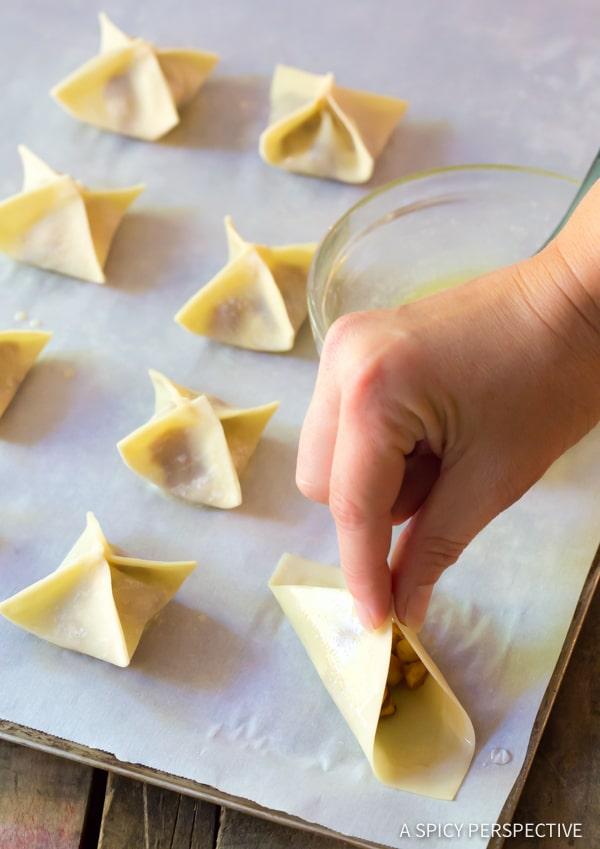 How To: 5-Ingredient Apple Pie Cream Cheese Wontons | ASpicyPerspective.com