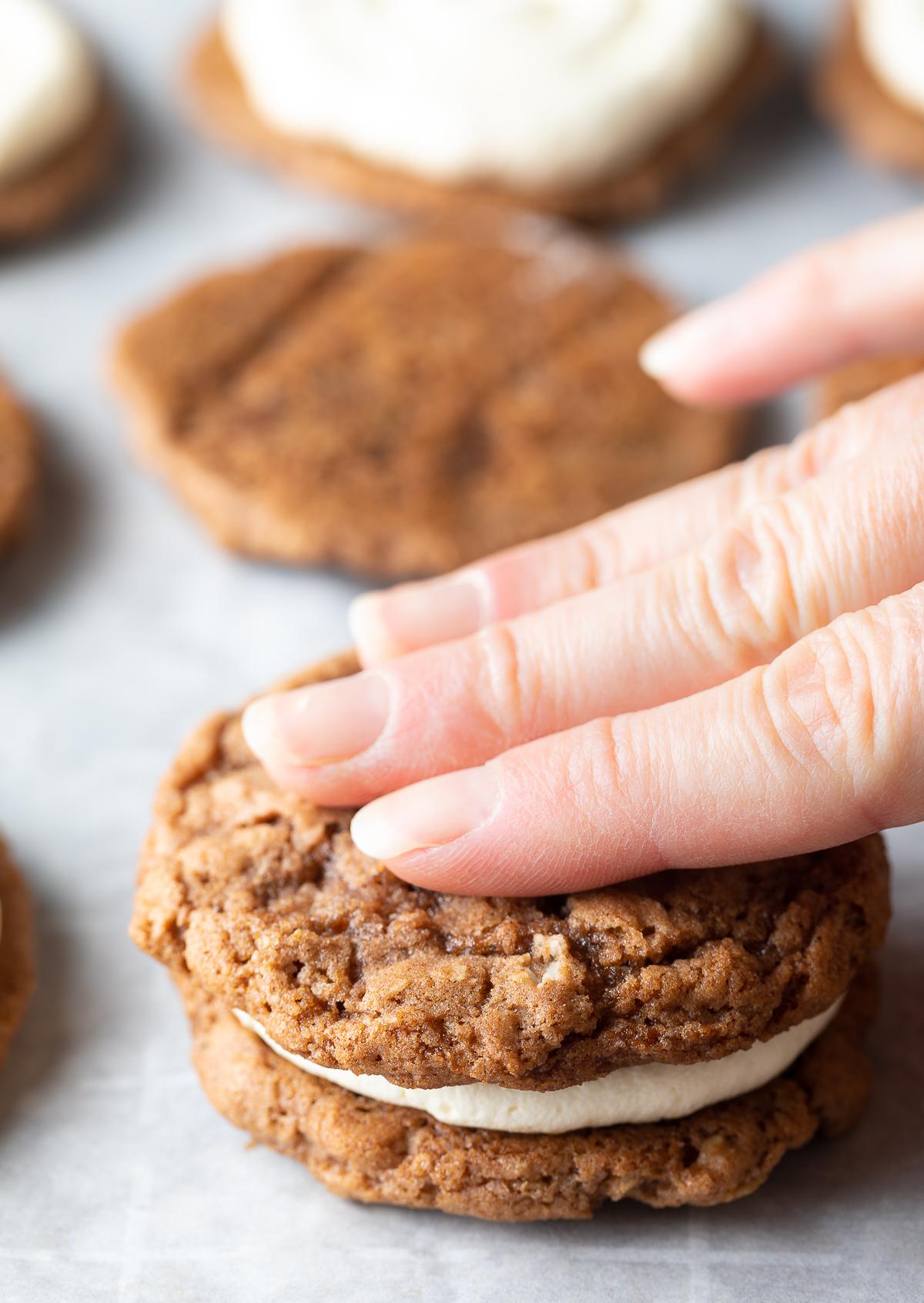 Homemade Oatmeal Cream Pies Recipe