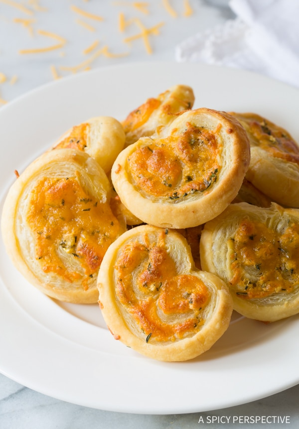 Gotta-Try 6-Ingredient Cheesy Garlic Herb Palmiers #holidays #appetizer #party
