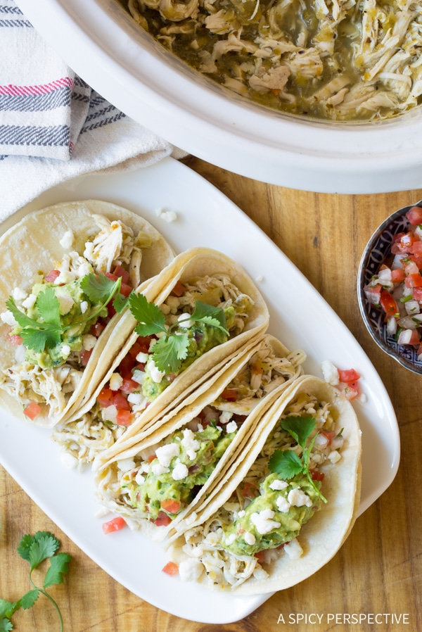 Amazing 2-Ingredient Crockpot Taco Chicken (Low Carb, Low Fat, Gluten Free!) #slowcooker