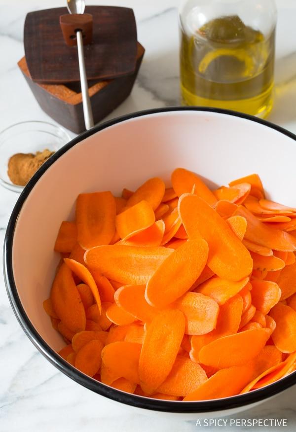 Easy 5-Ingredient Healthy Baked Carrot Chips Recipe #glutenfree #paleo #vegan