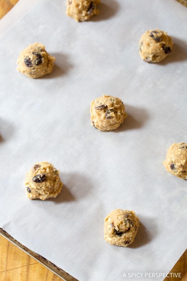 How to Make Oatmeal Raisin Cookies #ASpicyPerspective #Oatmeal #Raisin #Cookies #OatmealRaisinCookies #OatmealRaisinCookieRecipe #HowtoMakeOatmealRaisinCookies #TheBestOatmealRaisinCookies