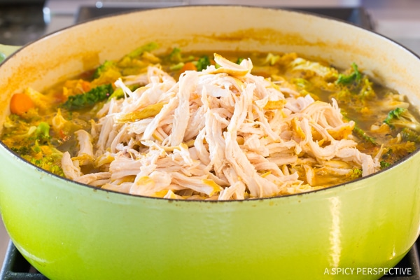 Easy Southwest Chicken Detox Soup Recipe #cleanse #diet