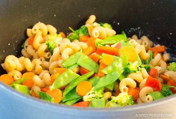 How To: Skinny Pasta Primavera Recipe #spring #healthy #glutenfree #vegetarian