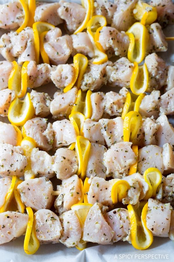 Making Greek Chicken Souvlaki Recipe with Tzatziki Sauce! #lowcarb #glutenfree #healthy