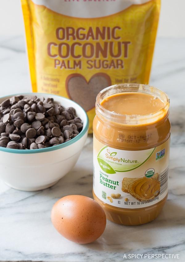 Making Magic 4-Ingredient Chocolate Chip Cookies Recipe #healthy #lowcarb #glutenfree #paleo #vegan