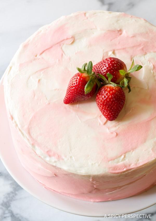 Best Fresh Strawberry Lemonade Cake Recipe