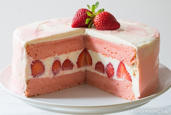 Simple Fresh Strawberry Lemonade Cake Recipe