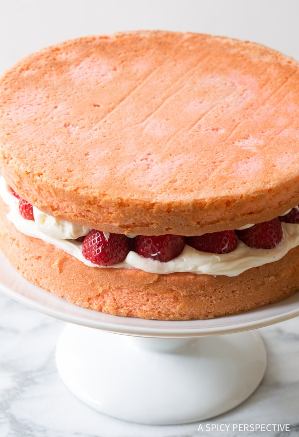 How To: Fresh Strawberry Lemonade Cake Recipe